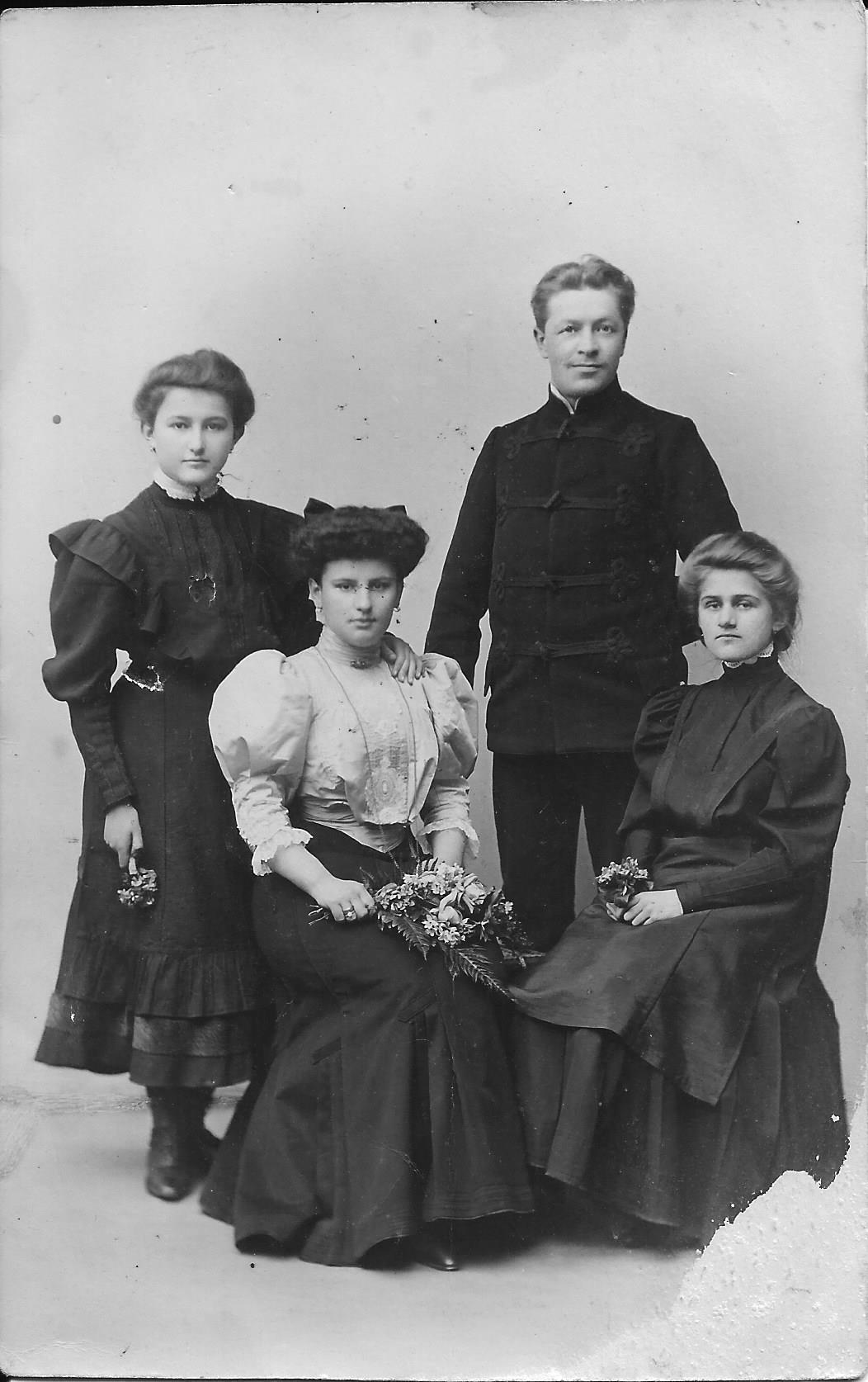 Ryszard i Eugenia Zaruscy z kuzynkami  1907 rok?