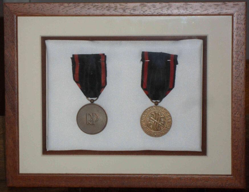 Medal Niepodległości - awers i rewers