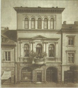 Kamienica ul. Niecała 9 na parterze kantor Judlin