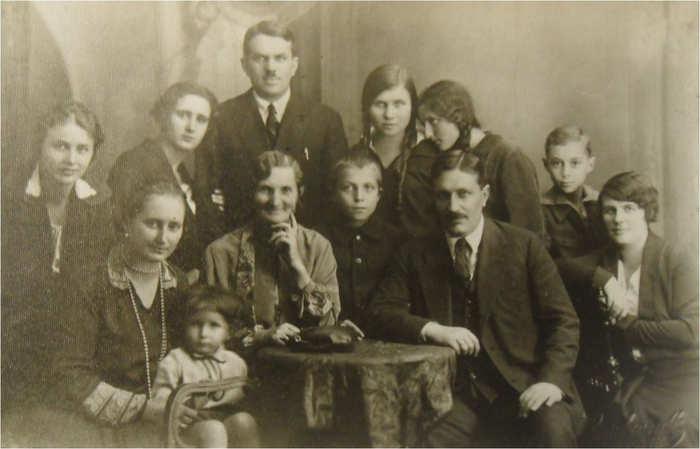 Wiktor Przedpełski drugi mąż Lidii Starkmeth wraz z rodziną
